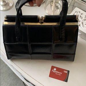 🌼 Vintage black purse plus gift card bonus!